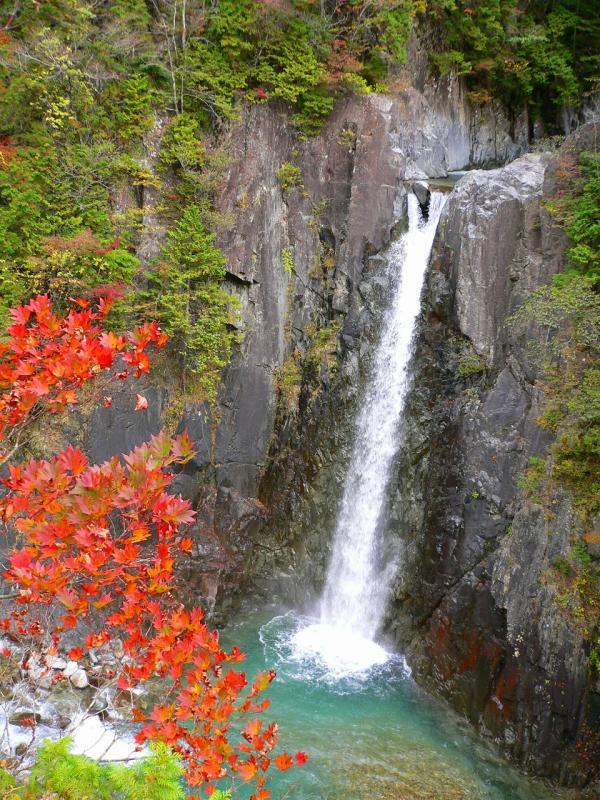 高樽の滝、秋