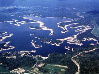 上空から見た朱鞠内湖