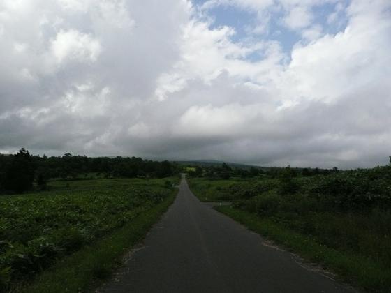 暑寒別岳はいつも厚い雲に覆われています
