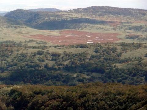 遠望できた雨竜沼湿原も、すっかりと秋色へと変化しながら輝いて見えました。