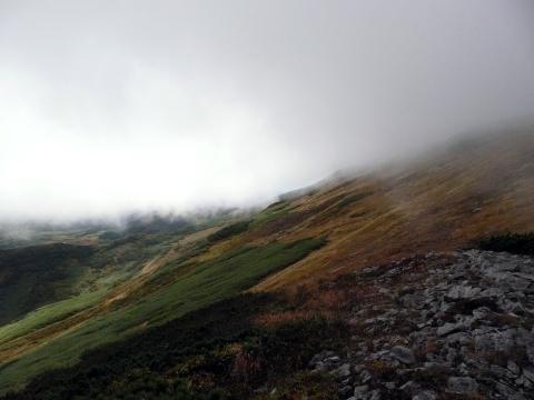 この時期の暑寒別岳は、過去に遭難事故も起きていますので、慎重な登山計画をお願いします。