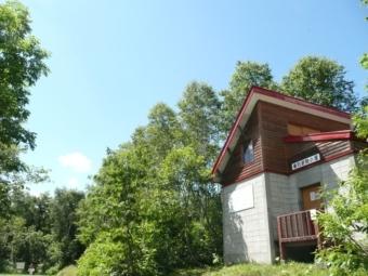 赤い屋根の箸別小屋