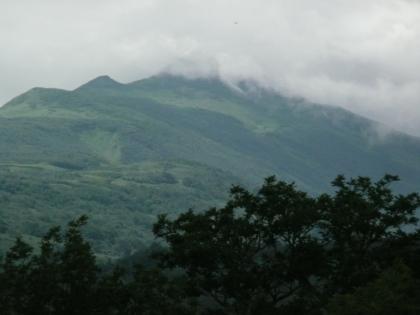 本峰が雲に覆われていく様子2