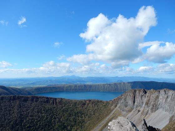 摩周岳と摩周湖のカルデラ地形