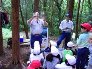 画像:森林教室の様子