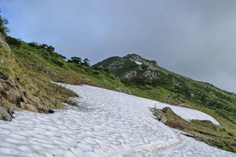 小至仏山を眺め