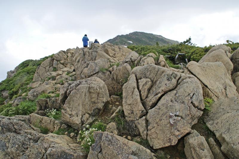 ③小至仏山頂