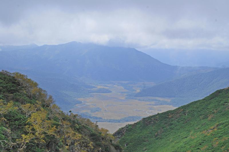 俎嵓から見る至仏山と尾瀬ヶ原