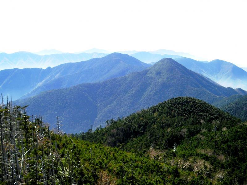 三宝山から甲武信岳