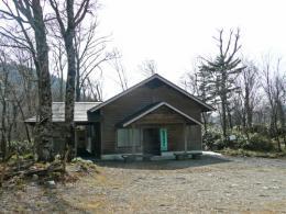山犬段の山小屋
