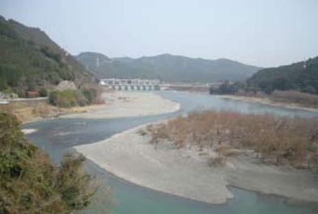 天竜川の「船明ダム」