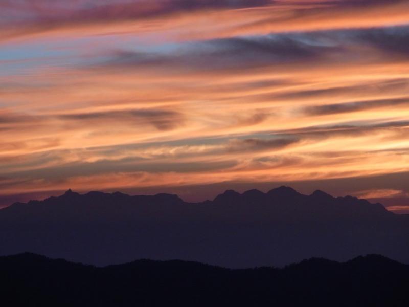 朝焼けの北アルプス
