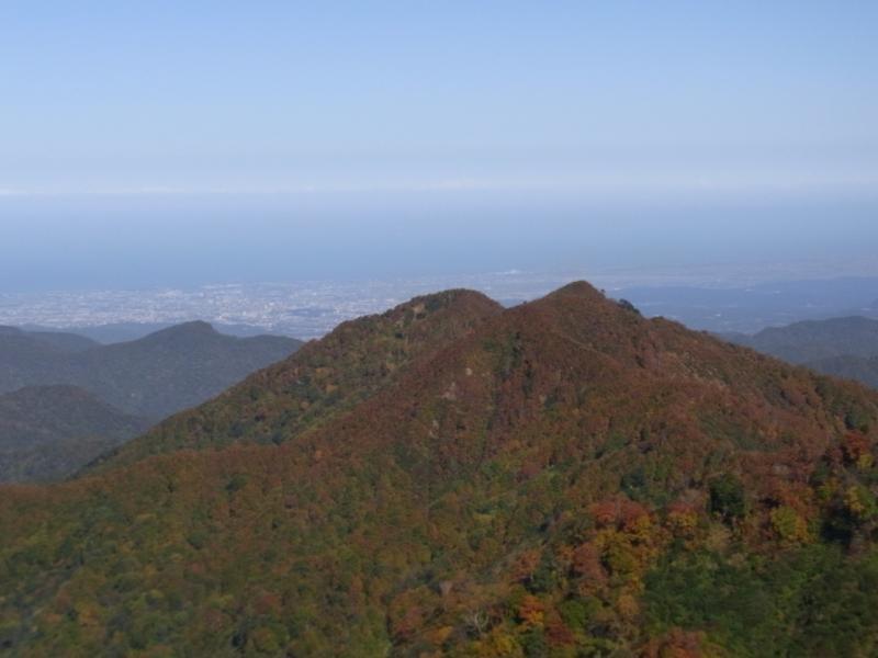 高三郎山と金沢市街