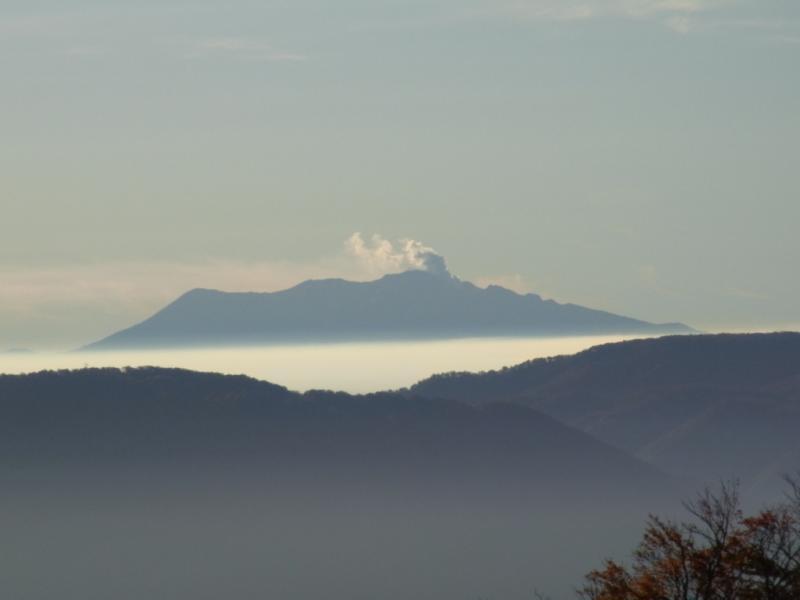 御岳山(赤摩木古山から撮影)