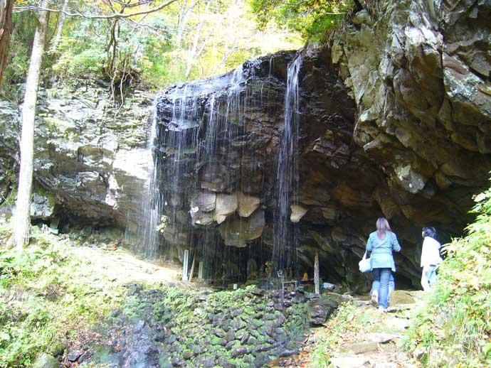 岩井滝・裏見の滝(中津川国有林)