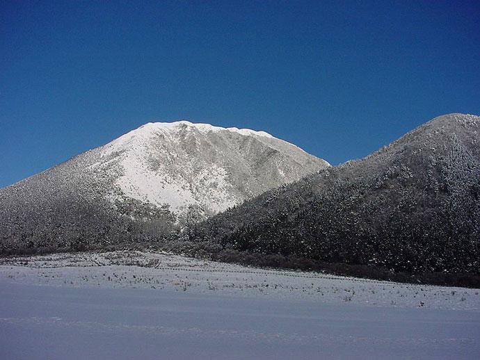 三瓶山(冬)