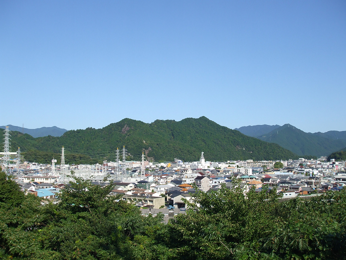 新宮市内と権現山