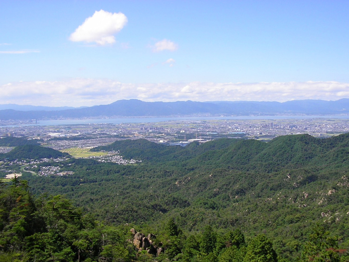 天狗岩から大津・草津市内と琵琶湖・比叡山