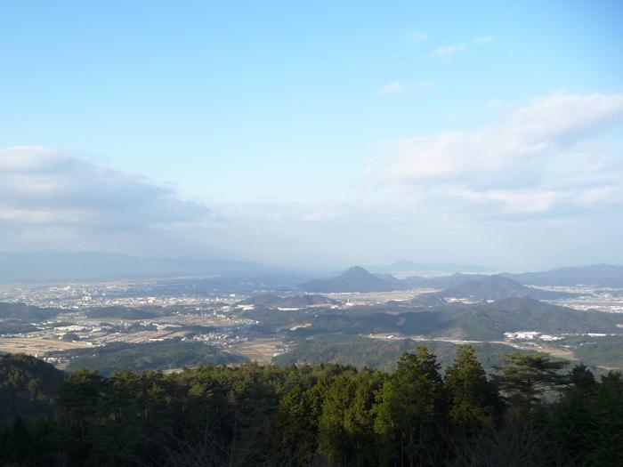 稜線から栗東・野洲市を望む