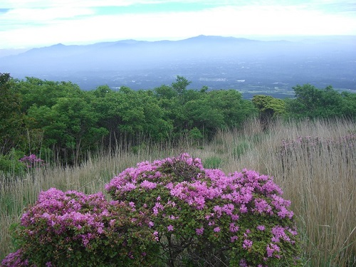 南登山道から祖母傾山系方面の展望