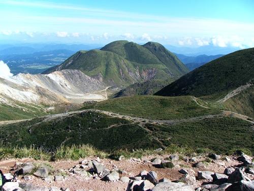 久住山山頂から三俣山方面の展望