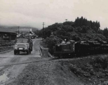 トラックと森林鉄道