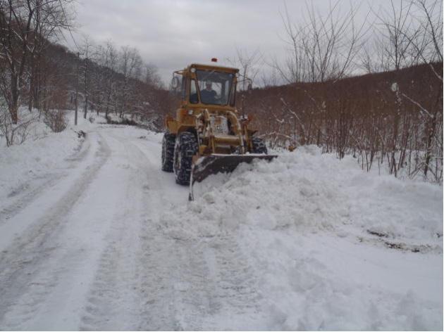 林道除雪作業の様子