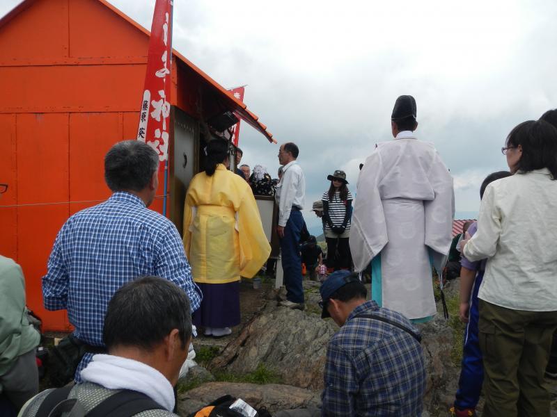 安全祈願祭での玉串奉納