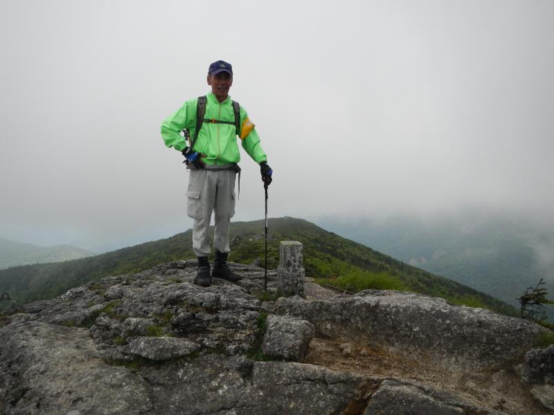 薬師岳山頂にて